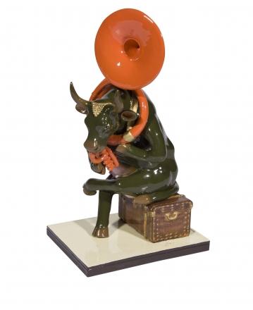 Kráva Josefína hraje na trombón